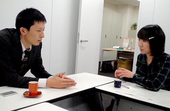 左:山本さん 右:インタビュアー井上